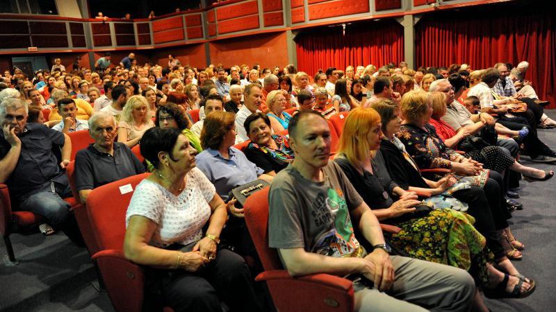 kazaliste publika 1
