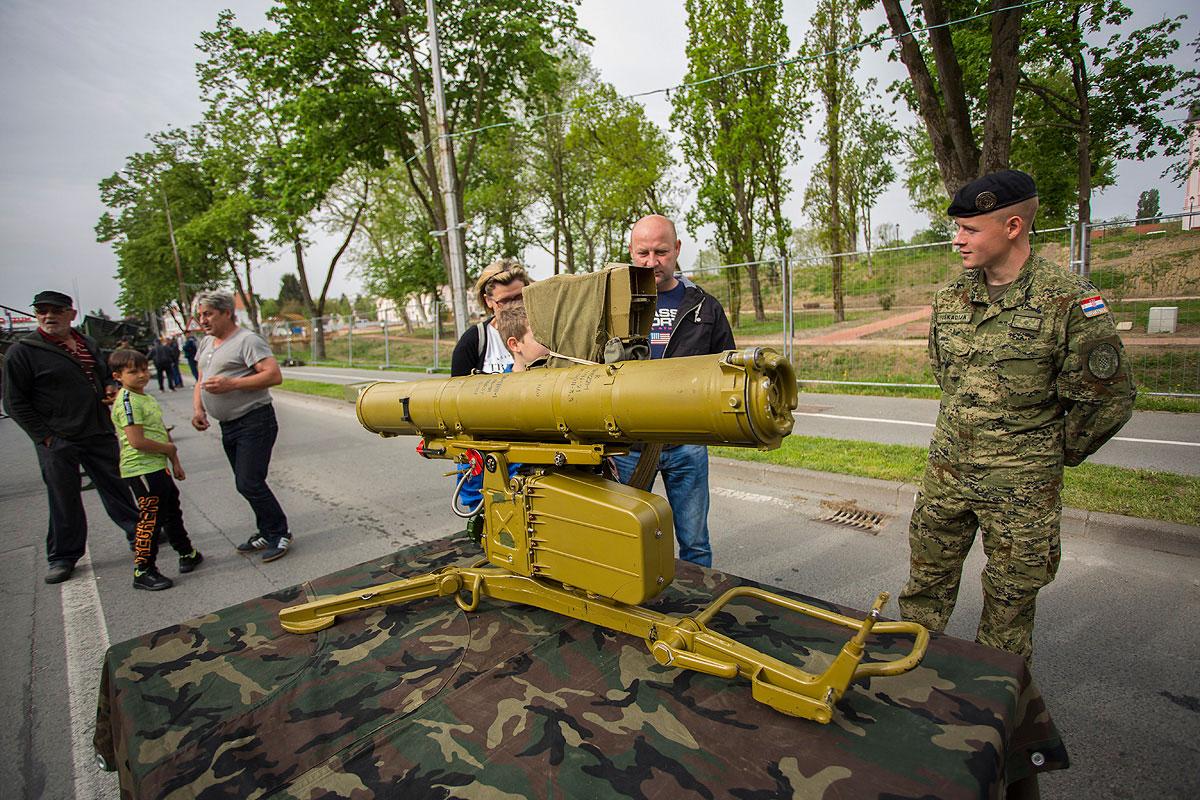 81-vojna-oprema-i-krila-oluje-3